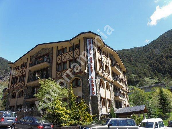 Hotel xalet verd arinsal vallnord andorra h tel for Hotel familiar andorra